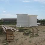 Две из четырех резервных емкостей готовы. Каждая вмещает в себя 50 тонн воды и по объему превосходит ту, которая установлена для снабжения первой очереди в 6 раз!