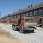 Дворовый проезд Квашнина 5 и Озерной 13 готов, по нему можно будет объезжать санитарно-защитную зону станции ХВП