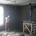 Работы не останавливаются даже в канун дня строителя