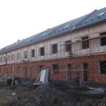 21 секция на выданье, через пару недель должны начать отдавать, остались стяжки, окна, двери и фасад второго этажа