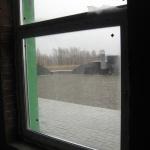 На крыше вокруг стен уложена плитка, чтоб дворник не «покорябал» мембрану своей ужасной лопатой! :)