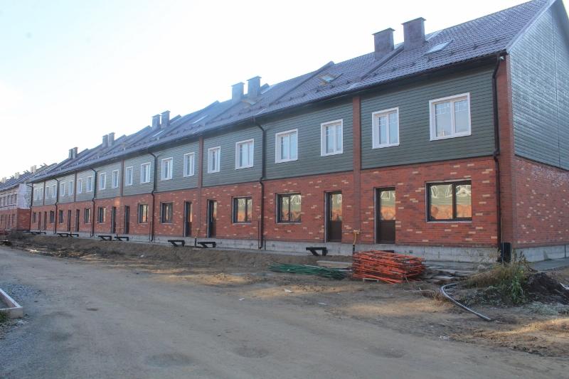 Парковая, 10. Вид на дворовой фасад.