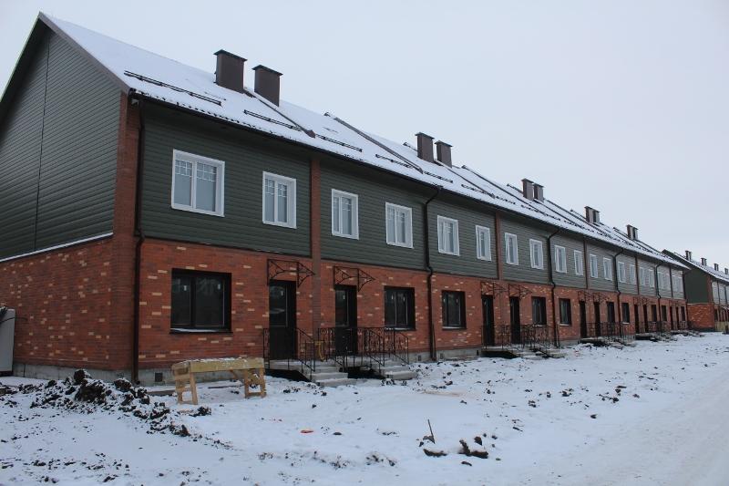 Жилой дом по адресу: ул. Парковая, 10. Вид на дворовой фасад.