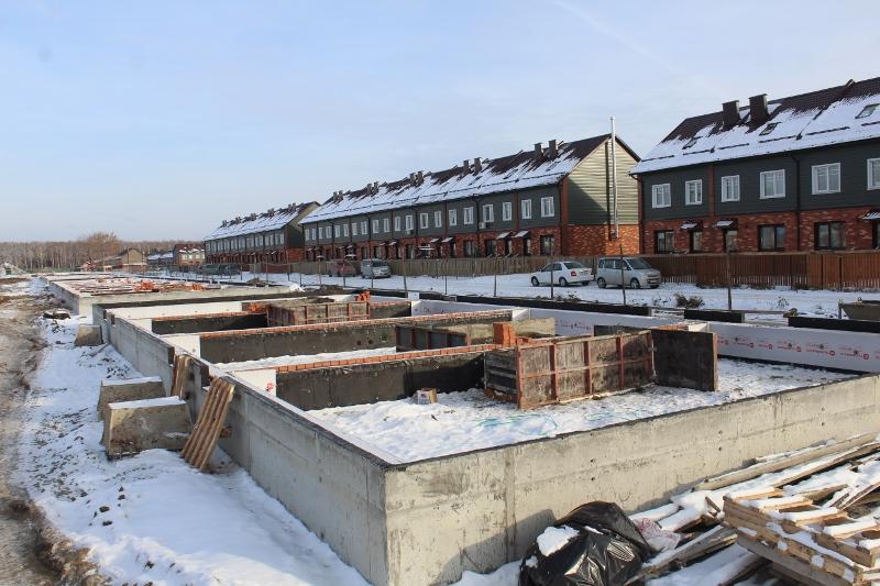Жилой дом по адресу: ул. Вадима Туманова, 2а. Выполнили гидроизоляцию и утепление фундамента.