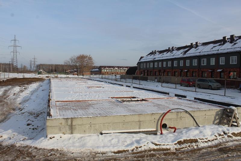 Жилой дом по адресу: ул. Вадима Туманова, 4а. На следующей неделе заливаем бетон на пол первого этажа и следом выйдут каменщики.