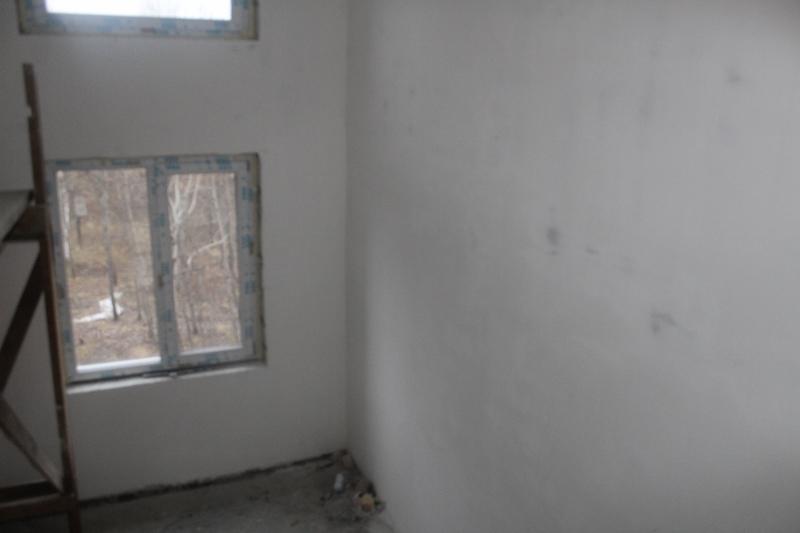 Вадима Туманова, 1а. Стены в подъездах готовы под покраску, ждем запуска отопления для продолжения отделочных работ.