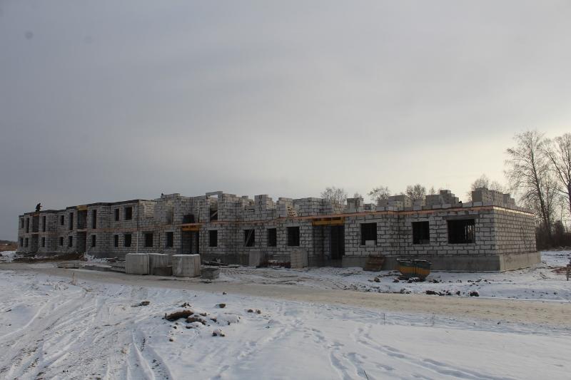 Многоквартирный дом по адресу: квартал Согласия, 1. Поднимаем стены второго этажа на второй половине дома.
