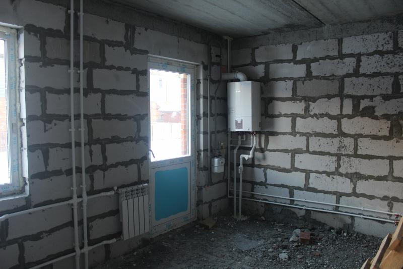 Жилой дом по ул. Парковая, 12. Произведен монтаж отопительной системы в секциях, на днях запустим газ.