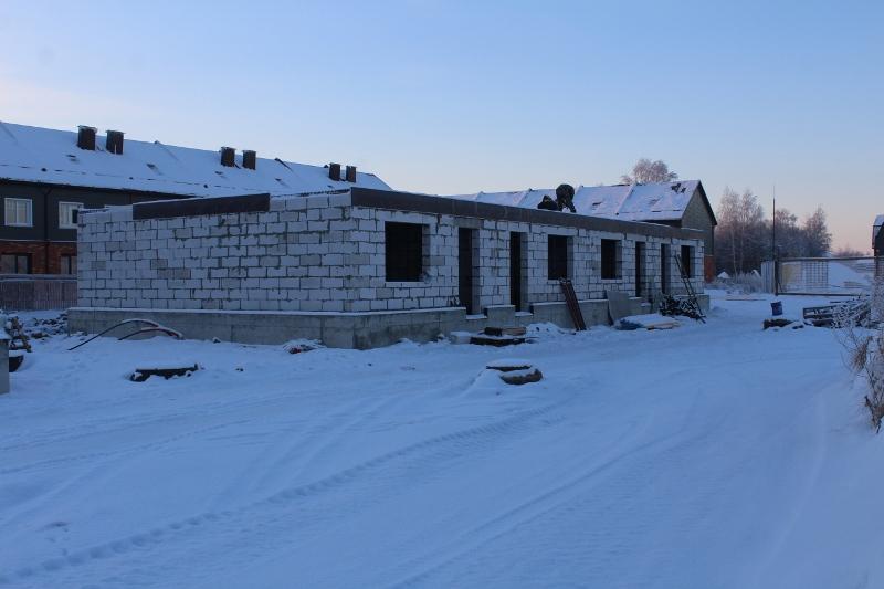 Жилой дом по ул. Вадима Туманова, 2а. Вид на главный фасад. Ведутся работы по устройству монолитного перекрытия.