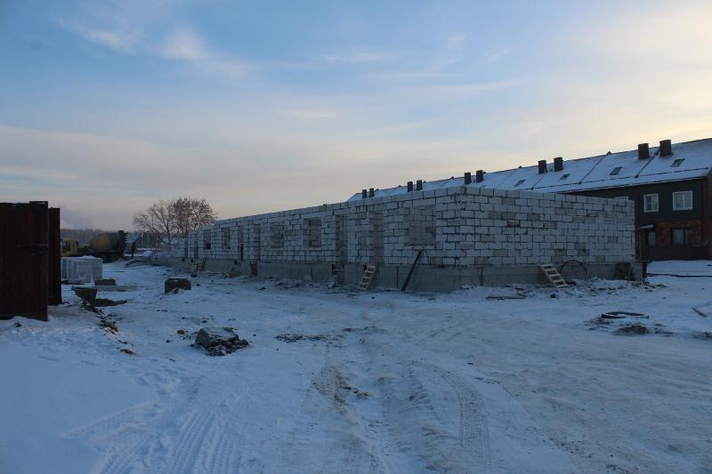 Жилой дом по ул. Вадима Туманова, 4а. Подняли стены на половине дома.