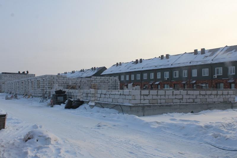 Жилой дом по ул. Вадима Туманова, 3а. Начали поднимать стены первого этажа.