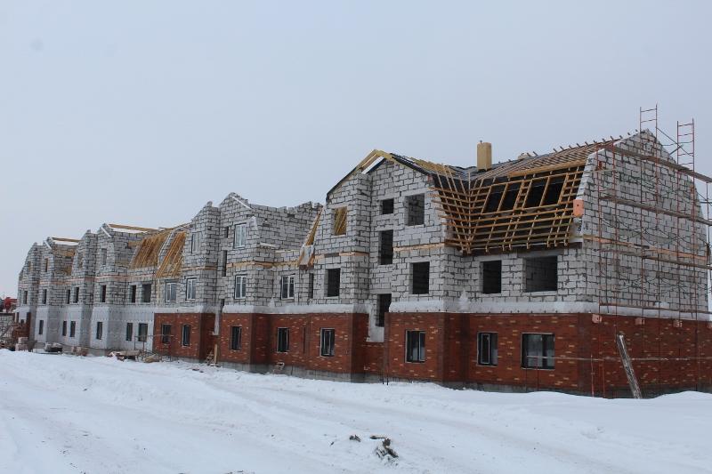 Квартал Согласия, 1. Вид на главный фасад. Продолжаем кладку облицовочным кирпичом, осталось совсем немного.