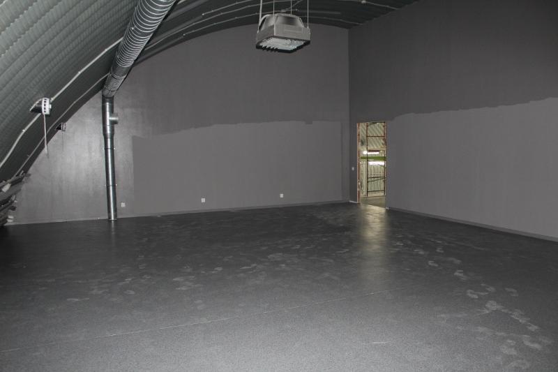 Получился большой и просторный зал.