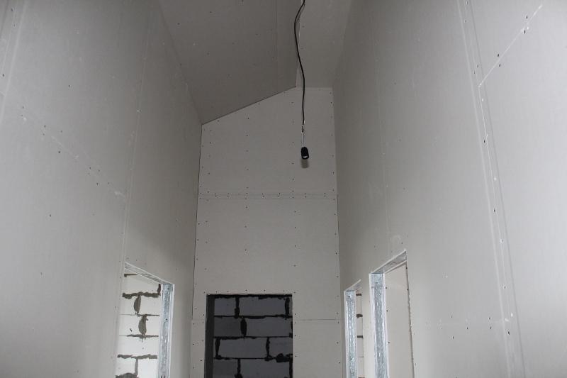 квартал Согласия, 1. Мансардный этаж. Не перестаю удивляться высоте потолков в квартирах 3-го этажа :-).