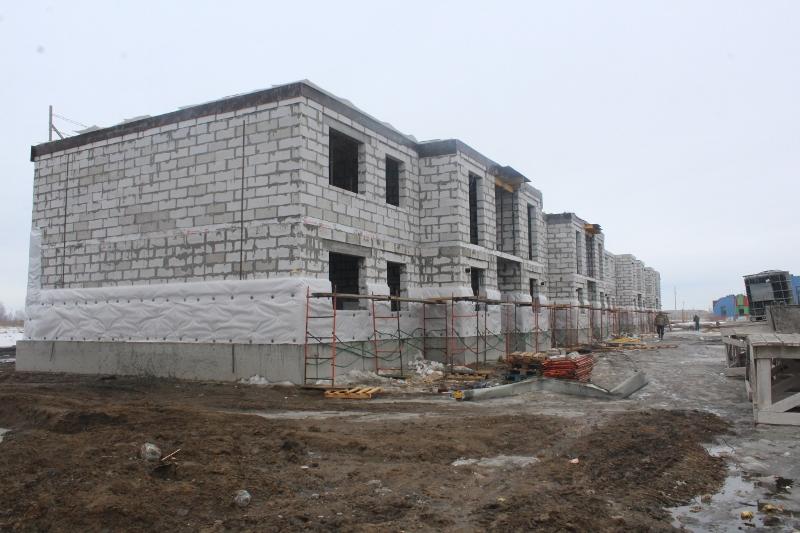 квартал Согласия, 2. Вид на дворовой фасад. Залили монолитное перекрытие второго этажа на первой половине дома.