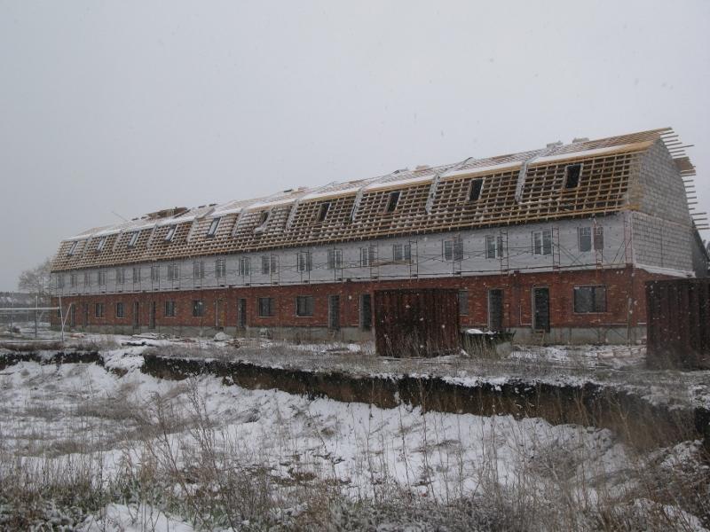 Вадима Туманова, 4а. Вид на главный фасад. Утеплили наружные стены второго этажа под металлосайдинг.