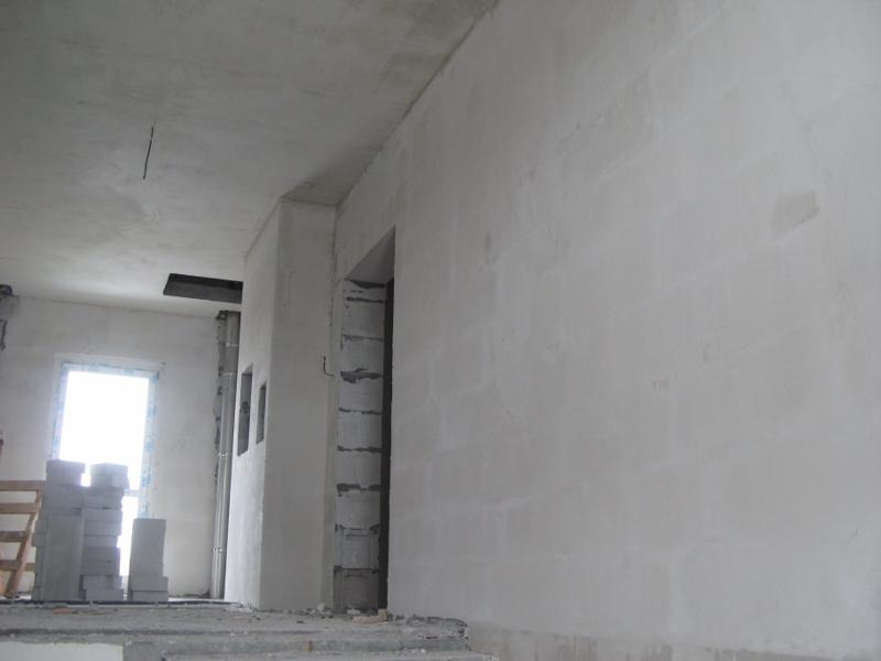 квартал Согласия, 1. Оштукатуривание стен подъездов.