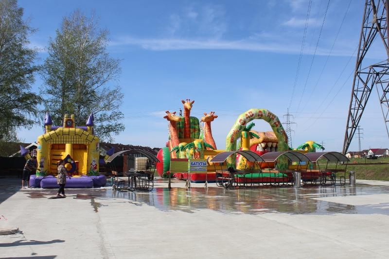 С приходом лета пришло время и детских батутов на ритейл-парке «Пригородный простор».