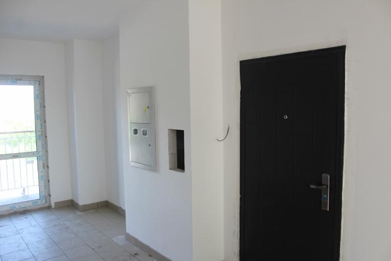 квартал Согласия, 1. Квартиры готовы, закрыты и ждут своих хозяев. А стены в подъездах скоро обретут красивый цвета.