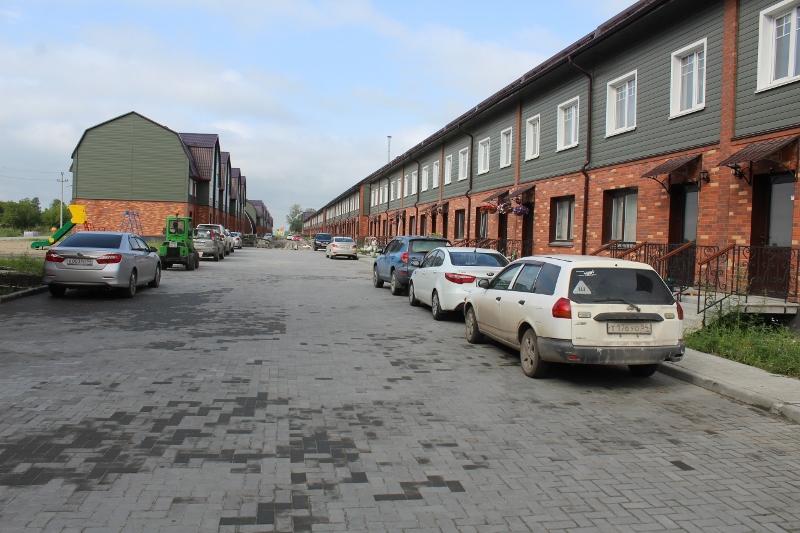 Улица Парковая в сторону детского сада.