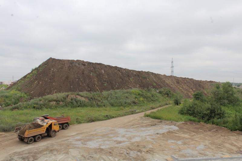 Продолжаем увеличивать объемы грунта на горнолыжном склоне.