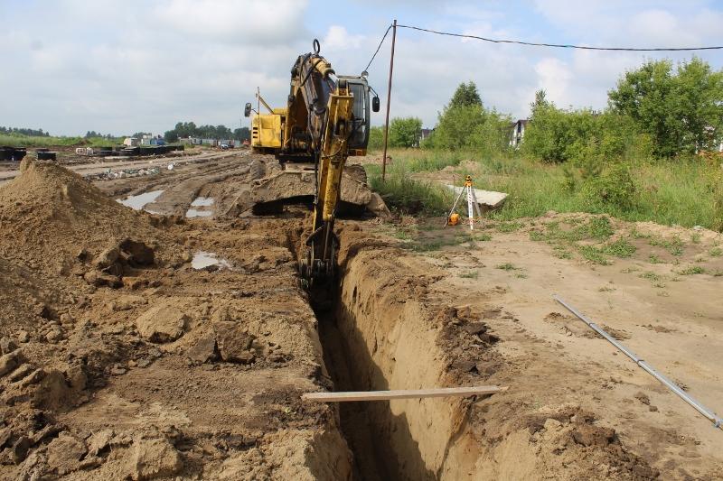 Копаем траншею для газовых сетей.