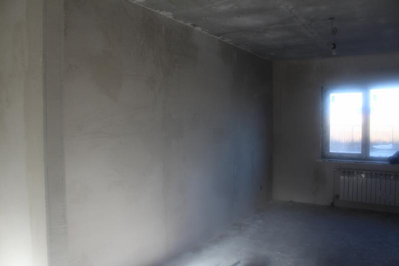 ул. Вадима Туманова, 2а. Продолжаем оштукатуривать стены в домах.